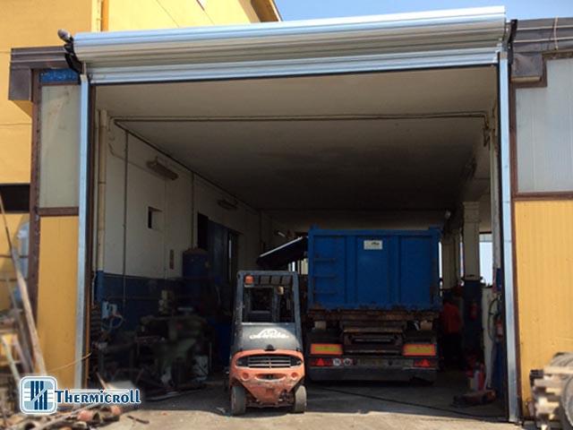 portoni industriali rapidi per il settore autotrasporti