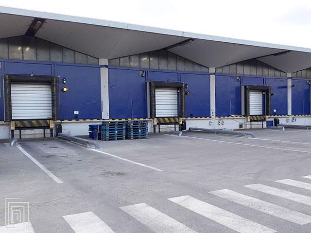 portoni industriali per baie di carico