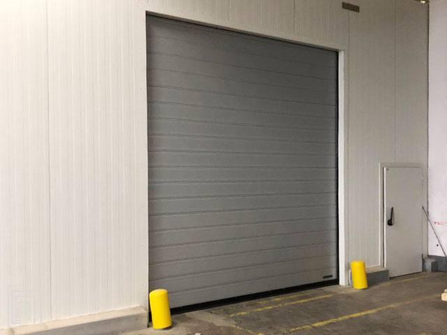 serranda avvolgibile isolante per magazzino aldi